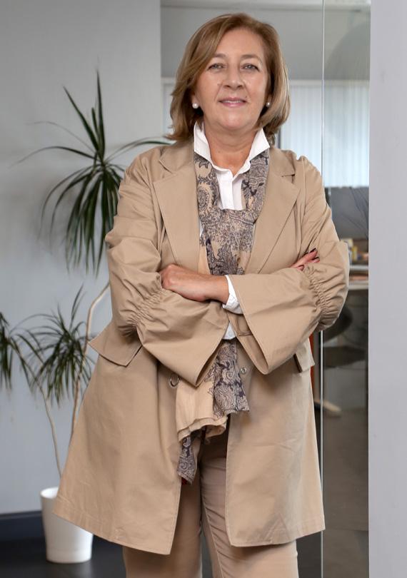 Dª ISABEL Mª GARCÍA OLIVARES